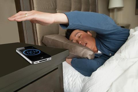 خطر استفاده از زنگ موبایل به عنوان ساعت برای بیدار شدن