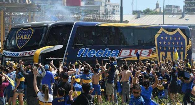 حمله به اتوبوس بازیکنان، لغو فینال ریورپلاته – بوکاجونیورز