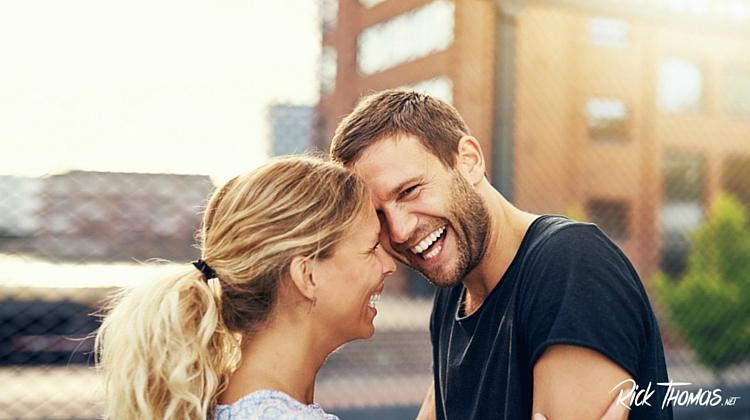 نکاتی جالب درباره تفاوت شادی در مردان و زنان