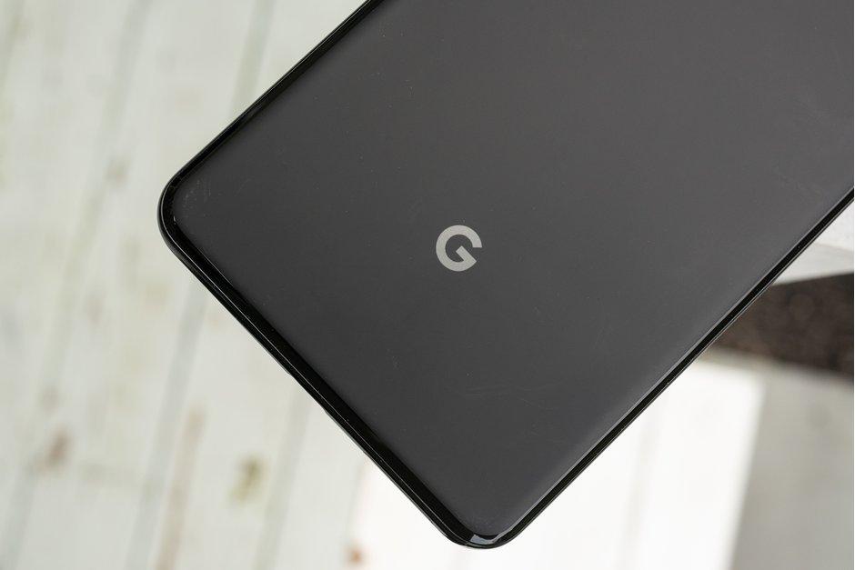 گوگل دو گوشی هوشمند میانرده Pixel را عرضه خواهد کرد