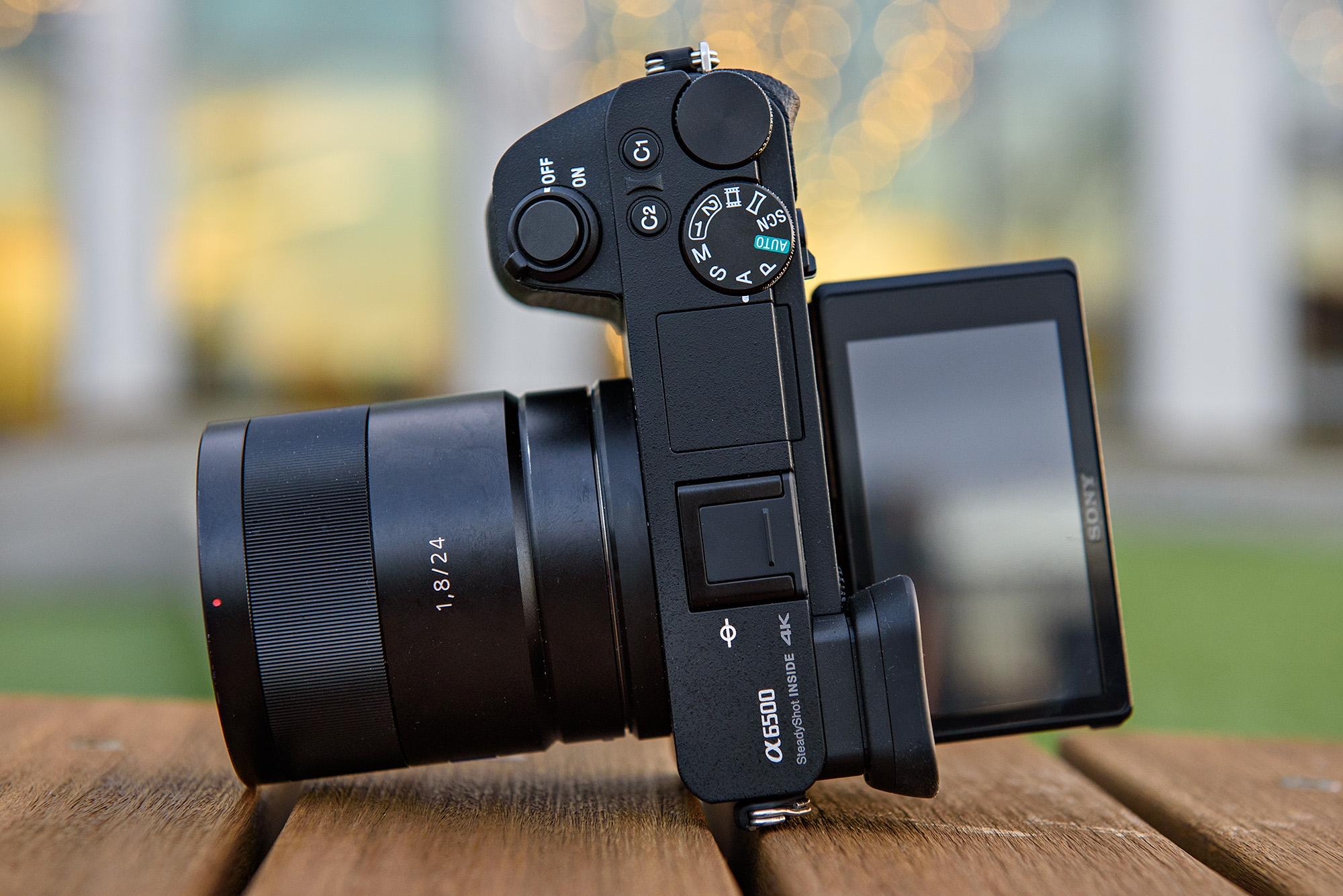 Yongnuo YN450 ،دوربین اندرویدی بدون آینه سازگار با لنزهای کانن است