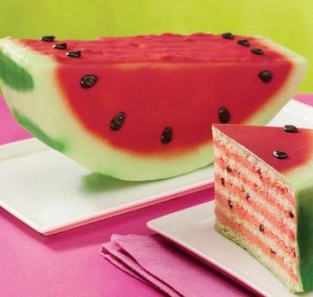 زیباترین مدلهای تزئین کیک شب یلدا