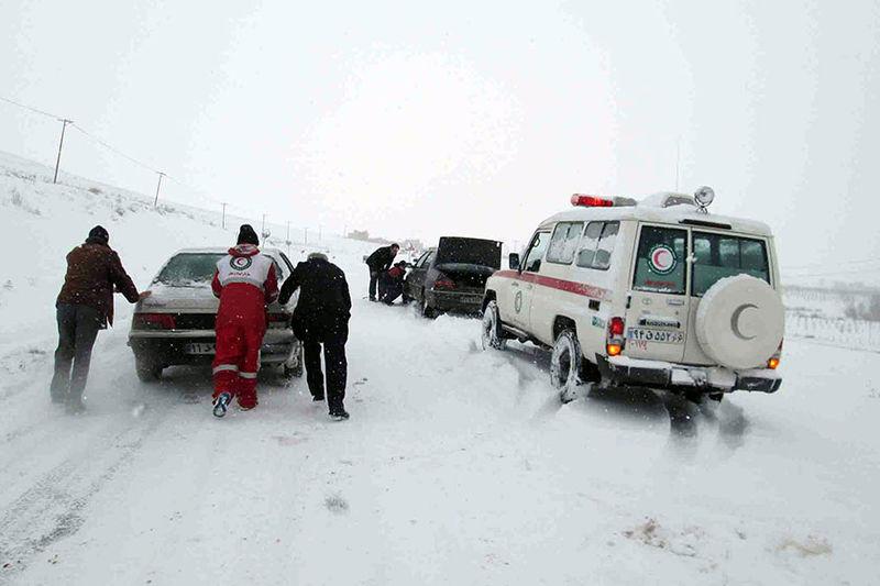 سیل، برف، کولاک 12 استان ایران را درگیر کرد