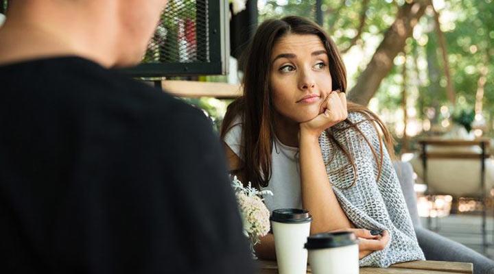 15 اشتباه رایج در ارتباط با دیگران که موجب تنهایی ما میشوند