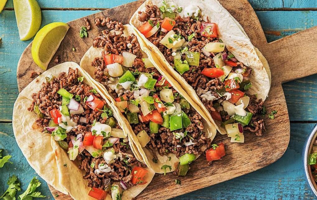 طرز تهیه انواع تاکو مکزیکی مرغ ، گوشت چرخکرده ، بیف و تن ماهی